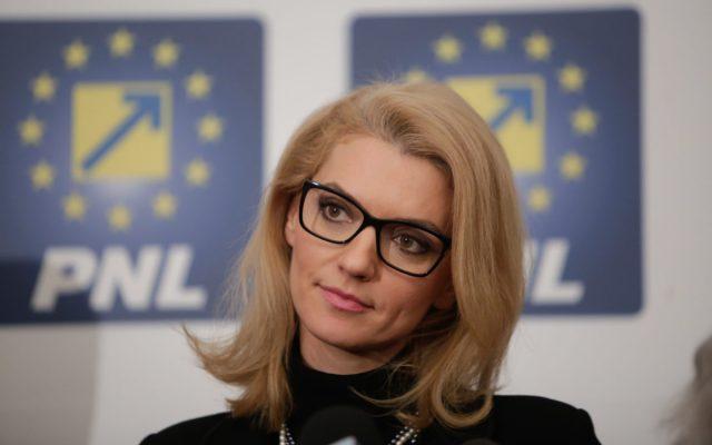 Foto: Senatoarea PNL Alina Gorghiu. Sursa: Inquam Photos / George Călin