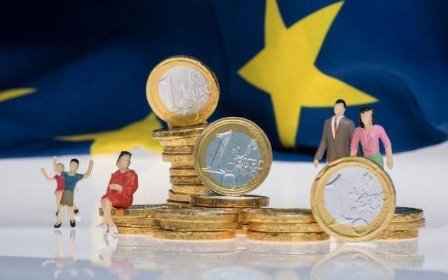 valoarea opțiunii pe euro)