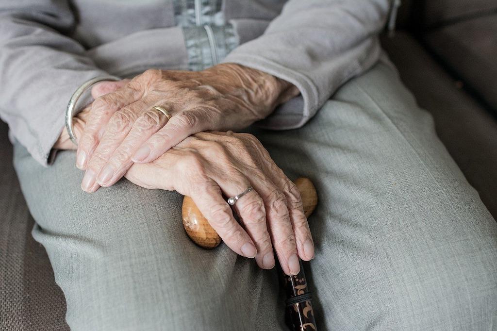 Bătrân cu opțiuni)