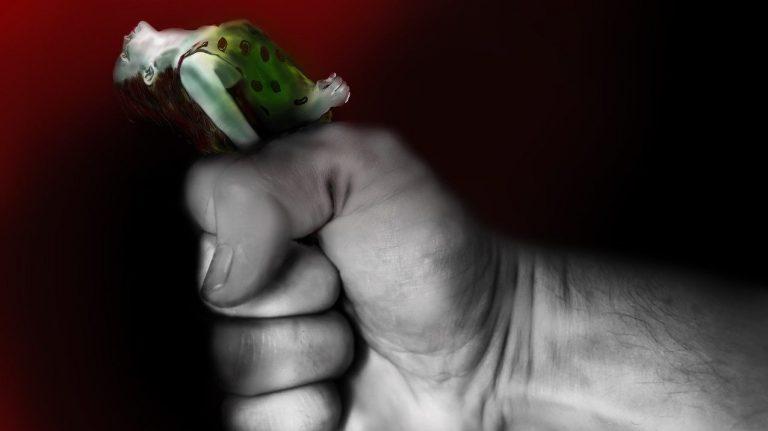 Violență domestică, violență împotriva femeii, abuz. sursa foto: pixabay.com