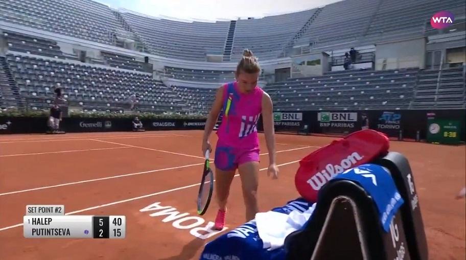 VIDEO Simona Halep a ajuns în semifinala turneului de la Roma, după abandonul Iuliei Putinţeva