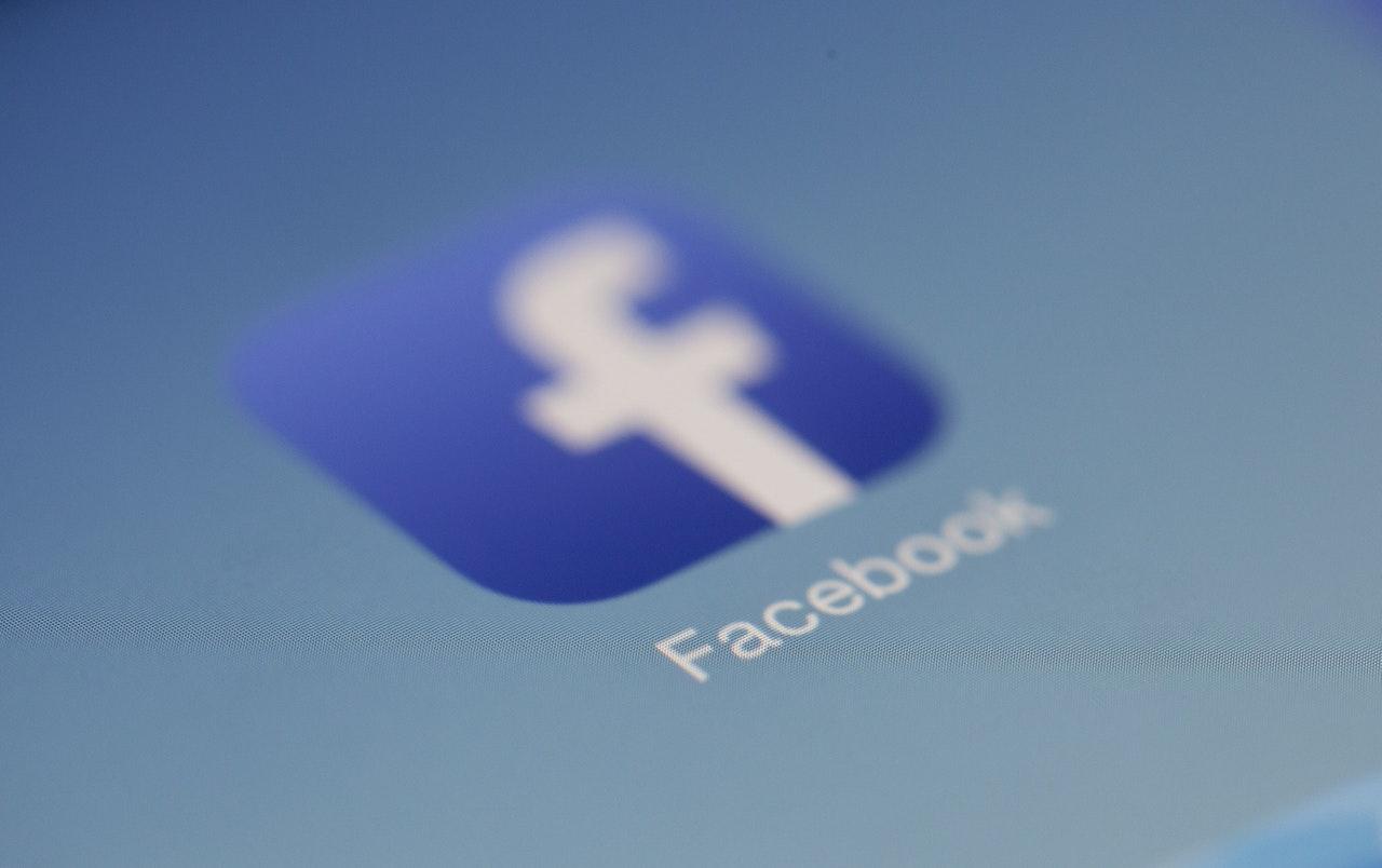 Facebook a intalnirii site- ului Femeie de intalnire Talmont Saint Hilaire