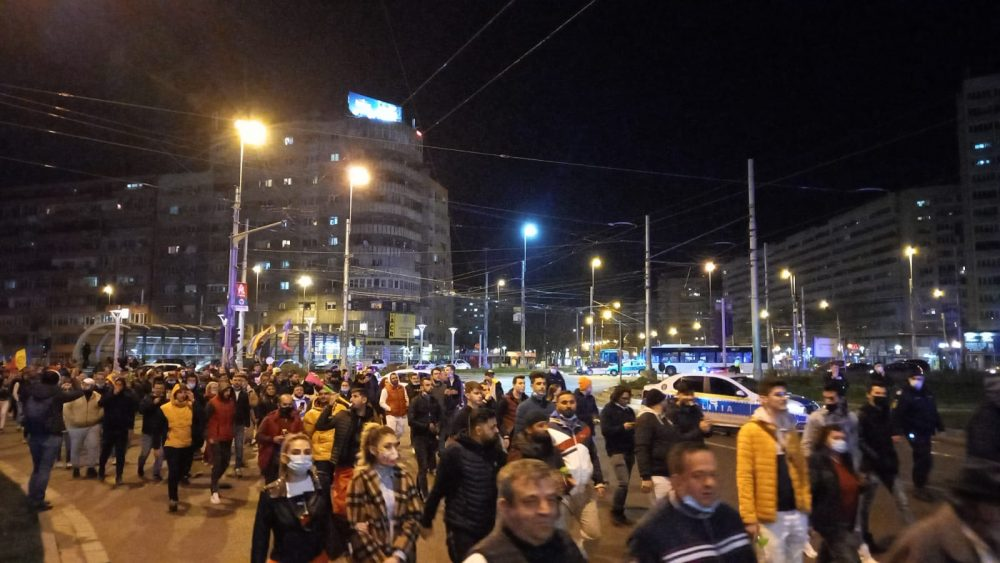 protest antimasca la Obor Bucuresti G4 e1617042084132