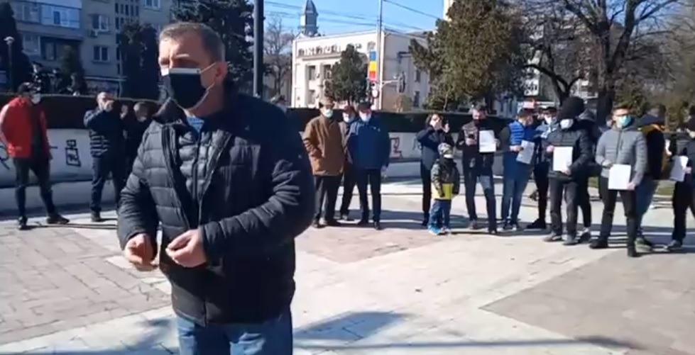 Protest al angajaților și antreprenorilor din Horeca la Bârlad după intrarea orașului în scenariul roșu