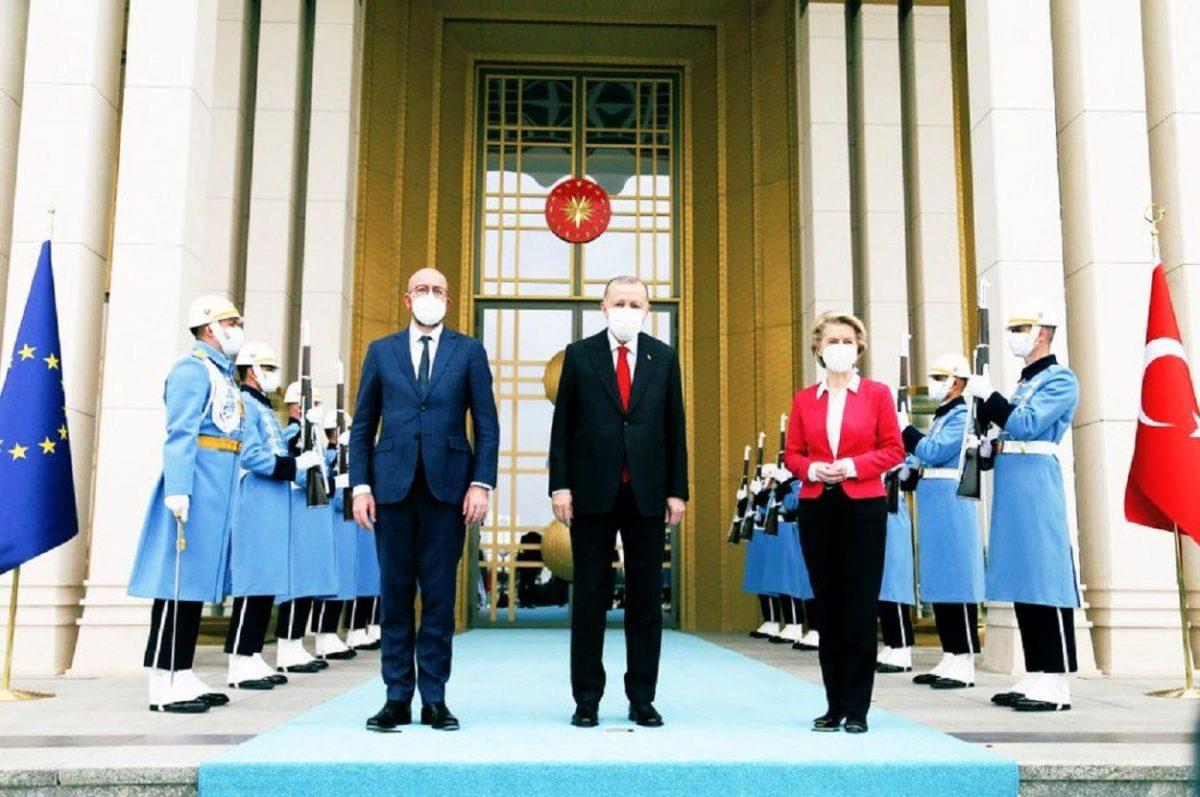 Intalnirea omului turc)